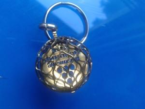 Въртящ сферичен ключодържател