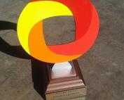 Цветна статуетка